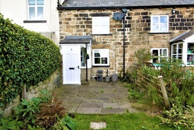 2 Common Top Cottages