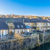 10 Airedale Quay