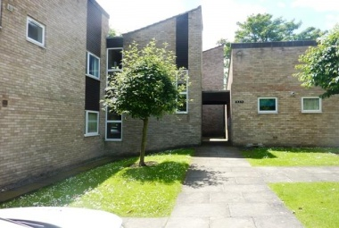 20 Weetwood House Court