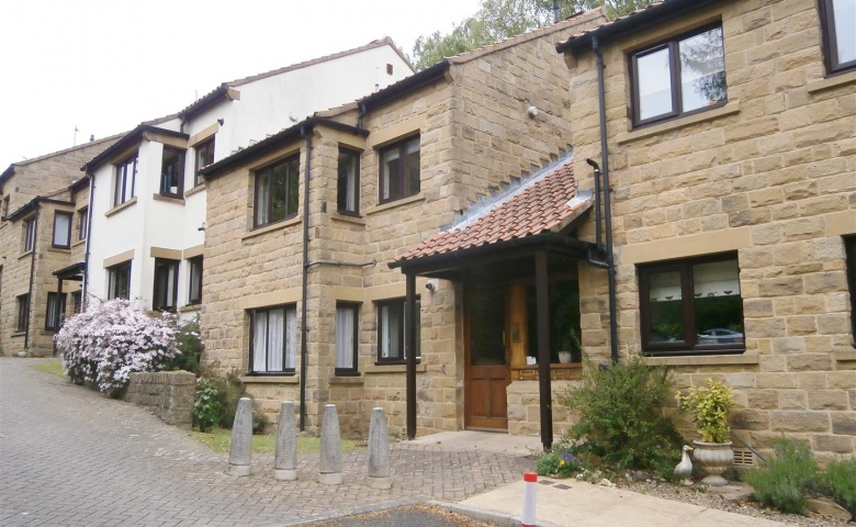 4 Russell Court